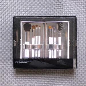 Sonia Kashuk Deluxe 8 pc Travel Brush Set / Case